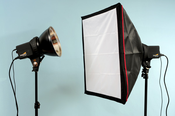 The Impact Two Monolight Kit I should be noted that it comes with an additional softbox reflector and a bag not shown in the image
