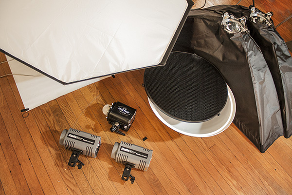 What I'll be using: two 160Ws StudioMaxes, a 640Ws Einstein, a 5' octa, two 1x4' strips and a beauty dish with grid.